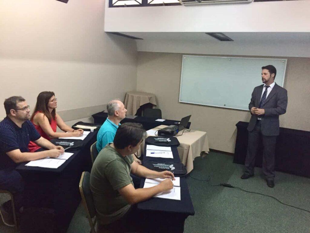 12 a 14 de novembro de 2018 foi realizado, em Porto Alegre, o Curso Completo de Licitações – Formação de Pregoeiros e Sistema de Registro de Preço