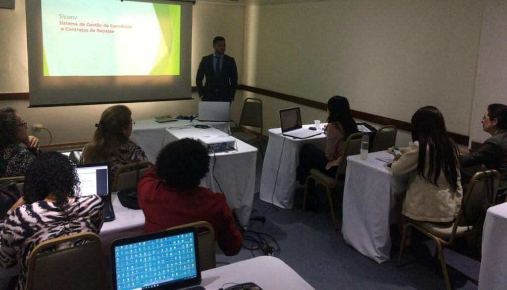 Curso SICONV 100% Prático - Treinamento Completo - Curitiba/PR realizado nos dias 20 a 23 de novembro.